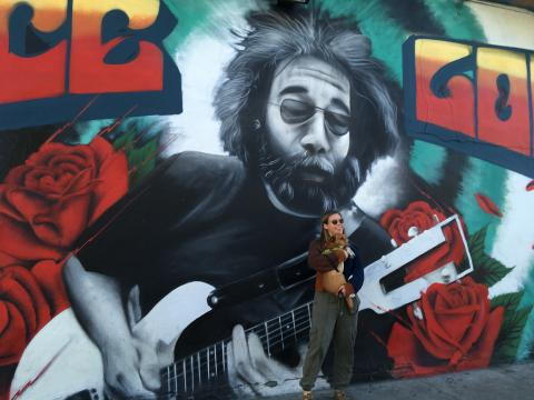 [Photo : Fresque murale de Jerry Garcia leader du groupe Grateful Dead]