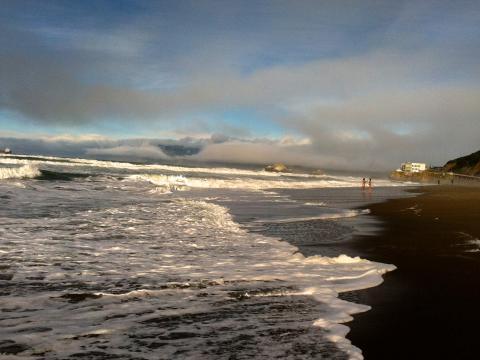[Photo : Ocean Beach, vagues et nuages]