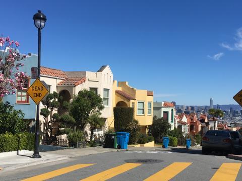 Quartier résidentiel avec vue sur la Baie de San Francisco