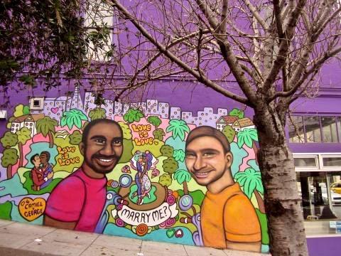 Photo : Fresque murale mariage gay Castro San Francisco