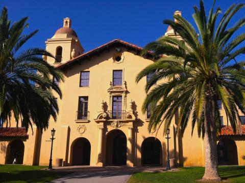 [Photo : Old Union et palmiers à Stanford]